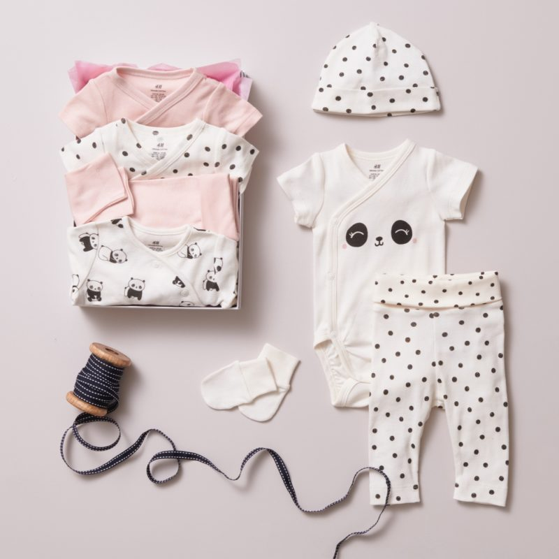 Make the Little One Elegant with Beautiful Clothes